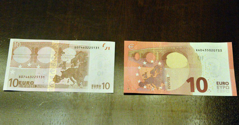 banconota nuova e vecchia